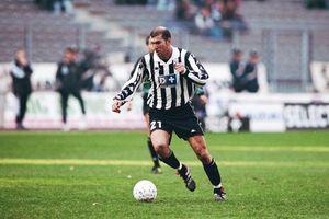 Zinedine Zidane và những bước chân đầu tiên để trở thành người hùng