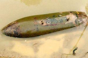 Nghệ An: Phát hiện bom 'khủng' ở mép sông Khuôn