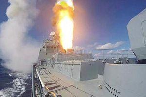 TASS: Tàu chiến Nga bắn 'mưa tên lửa' hạ gục máy bay nổi tiếng