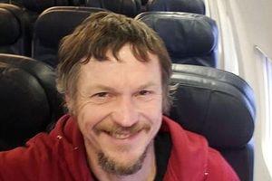 Mua vé 1 chiều, người đàn ông bất ngờ được bao trọn chuyến bay Boeing 737-800