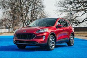 Cận cảnh Ford Escape 2020: 3 tùy chọn động cơ, giá chưa công bố