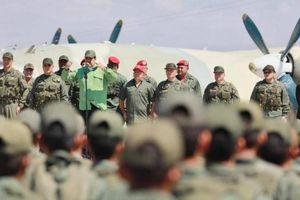 Quân đội Venezuela được nhận lệnh sẵn sàng chống lại chiến tranh
