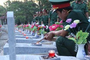 Tướng Đồng Sỹ Nguyên về cùng đồng đội