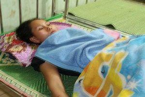 Nghệ An: Bờ kè bất ngờ đổ sập, 4 người may mắn thoát chết