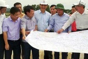 Bàn giao mốc lộ giới dự án cao tốc Bắc - Nam đoạn qua Hà Tĩnh