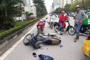 Nam phóng viên dũng cảm ngăn chặn 2 tên cướp