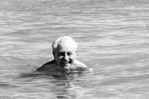 Những vụ mất tích bí ẩn nhất trong lịch sử: Buổi tắm biển cuối cùng của cựu Thủ tướng Australia