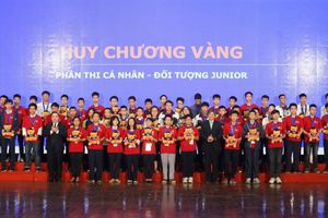 Bế mạc kỳ thi Toán học Hà Nội mở rộng: Nhiều học sinh đạt thành tích cao