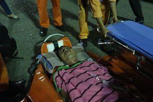 Cứu thuyền trưởng bị dập nát tay, mất máu bất tỉnh