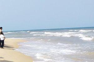 Tắm biển cùng với bạn, nam sinh đuối nước thương tâm