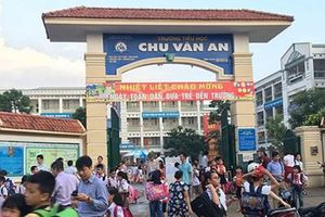 Hà Nội: Phụ huynh không cho con ăn bán trú vì phát hiện thịt gà bốc mùi tại trường tiểu học