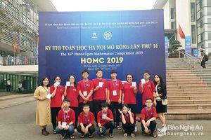 Đoàn học sinh Nghệ An giành 4 Huy chương Vàng tại cuộc thi giải Toán bằng tiếng Anh