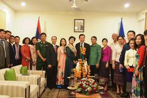 Ấm áp Tết cổ truyền Lào ở Ấn Độ