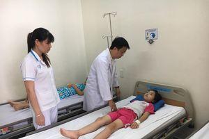 61 học sinh nhập viện nghi ngộ độc sau bữa ăn trưa