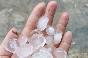 Xuất hiện mưa đá khủng khiếp tại xã biên giới tỉnh Nghệ An
