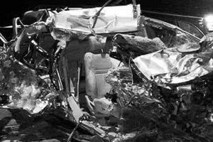 Đồng Nai: Ô tô nát vụn sau va chạm với xe tải, 3 người phụ nữ tử vong tại chỗ