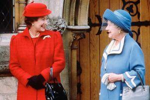 Phụ nữ Hoàng gia Anh mặc gì suốt 100 năm qua?