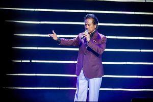 Chế Linh khiến khán giả Hà Nội sửng sốt vì giọng hát không tuổi