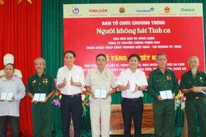 Nhiều món quà ý nghĩa đến với cựu chiến binh, đối tượng chính sách ở Nghệ An