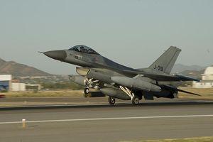 Hy hữu: Tiêm kích F-16 của Hà Lan tự bắn chính mình