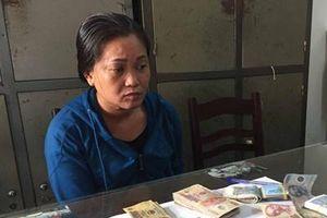 Tạm giữ 'nữ quái' trộm tiền công đức của nhà chùa