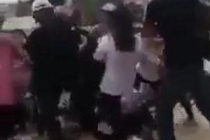 Phẫn nộ hình ảnh 10 nữ sinh hung hãn lao vào đánh đập bạn ở Quảng Ninh