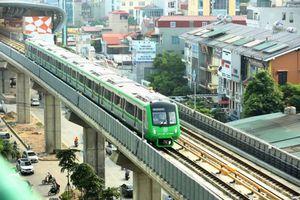 Xe buýt và đường sắt đô thị:'Cặp đôi'phát triển giao thông công cộng Thủ đô