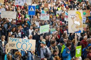 50.000 người Thụy Sĩ tuần hành vì khí hậu toàn cầu