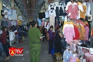 Phát hiện nhiều vi phạm về PCCC tại chợ Nành