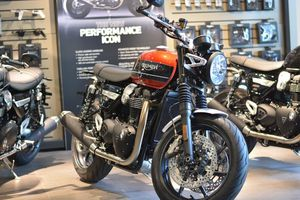 Chi tiết môtô hoài cổ Triumph Speed Twin 2019 giá gần 600 triệu