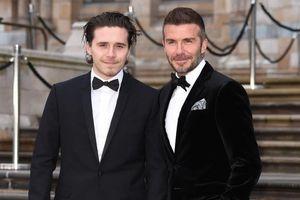 Cha con David Beckham đẹp nhất tuần với suit đen lịch lãm