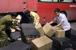 Quảng Ninh: Phát hiện hơn 1 tấn lòng lợn khô trên xe khách