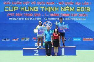 Thanh Bình và Văn Phương lên ngôi ở nội dung đánh đơn