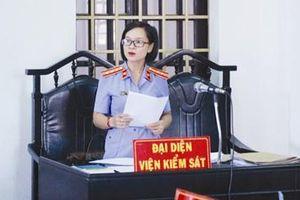 Tòa chấp nhận kháng nghị của Viện kiểm sát, chuyển tội danh đối với bị cáo