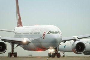Máy bay chở 317 người hạ cánh khẩn cấp tại Đài Loan