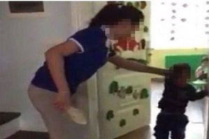 Lời kể bất ngờ của mẹ bé gái nghi bị cô giáo nhét chất bẩn vào vùng kín ở Thái Nguyên