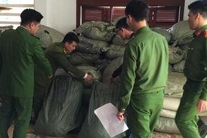Công an Cao Bằng bắt quả tang gần 2,5 tấn dược liệu không rõ nguồn gốc