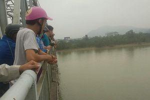 Hé lộ bức thư tuyệt mệnh của nữ kế toán gieo mình xuống dòng sông Lam