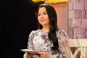 MC Quỳnh Hương khóc, nói lời chia tay 'Thay lời muốn nói' sau 19 năm