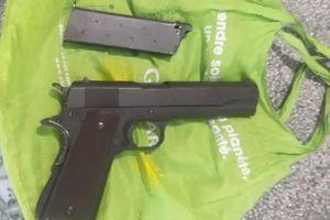 Kiểm tra đối tượng cho vay tín dụng đen phát hiện tàng trữ súng