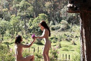 Ảnh cưới nude tại Đà Lạt: Hòa với thiên nhiên