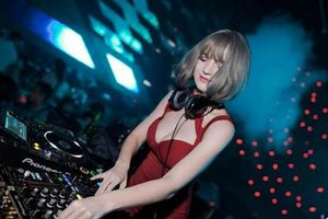 Vẻ đẹp bốc lửa của nữ DJ Ukraine đang chơi nhạc ở Hà Nội