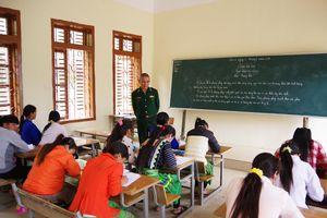 Sơn La: Bế giảng lớp xóa mù chữ cho đồng bào dân tộc Mông