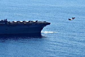 Cận cảnh chiến đấu cơ F-35B, tàu đổ bộ Mỹ trên Biển Đông