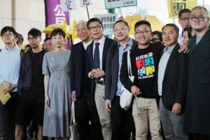 Nhóm chủ chốt phong trào Occupy Central Hồng Kông bị tuyên tội gây rối