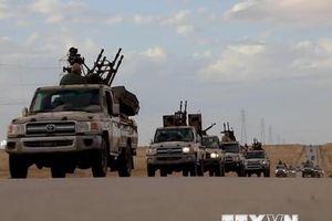 LHQ kêu gọi ngừng chiến ở Libya, hàng nghìn người dân tháo chạy