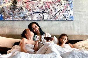 Hồng Nhung đón sinh nhật cùng hai thiên thần nhỏ sau khi chồng lấy vợ mới