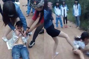 Bạo lực học đường: Chưa đầy 1 tháng đã xảy ra nhiều vụ nữ sinh lột đồ, quay clip đánh nhau