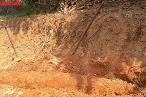 TT-Huế: Đào đất làm nhà, người dân phát hiện quả bom lớn dài 2m