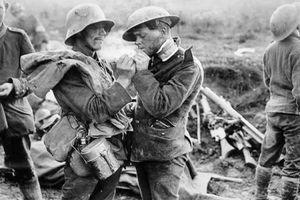 Thế chiến I: Giáng sinh diệu kỳ của những người lính 2 đầu chiến tuyến